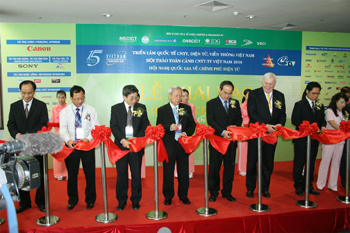 Viet Nam computer electronics world expo 2010(VCW 2010)