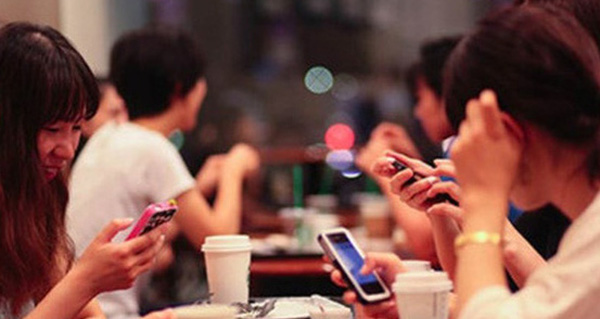 Smartphone popularity will change face of e-commerce
