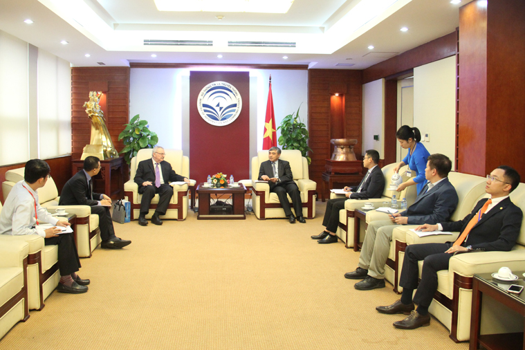 Deputy Minister Nguyen Minh Hong receives Vice President of the US-ASEAN Business Council