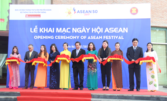 Opening the ASEAN Festival