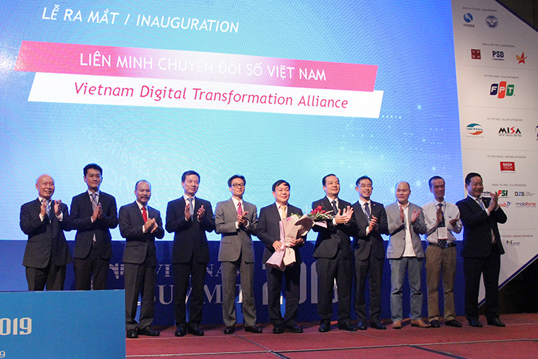 ICT Summit talks digital transformation in Việt Nam